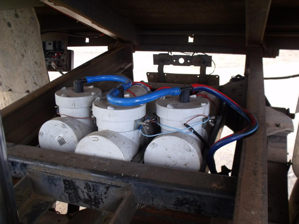 Hydrogen Cylinders mounted under a truck chassis