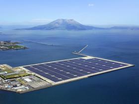 Photo:The 70MW Kagoshima Nanatsujima Mega Solar Power Plant 02