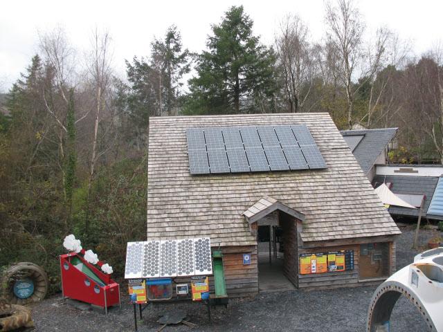 English: Solar Power demonstration house A dem...