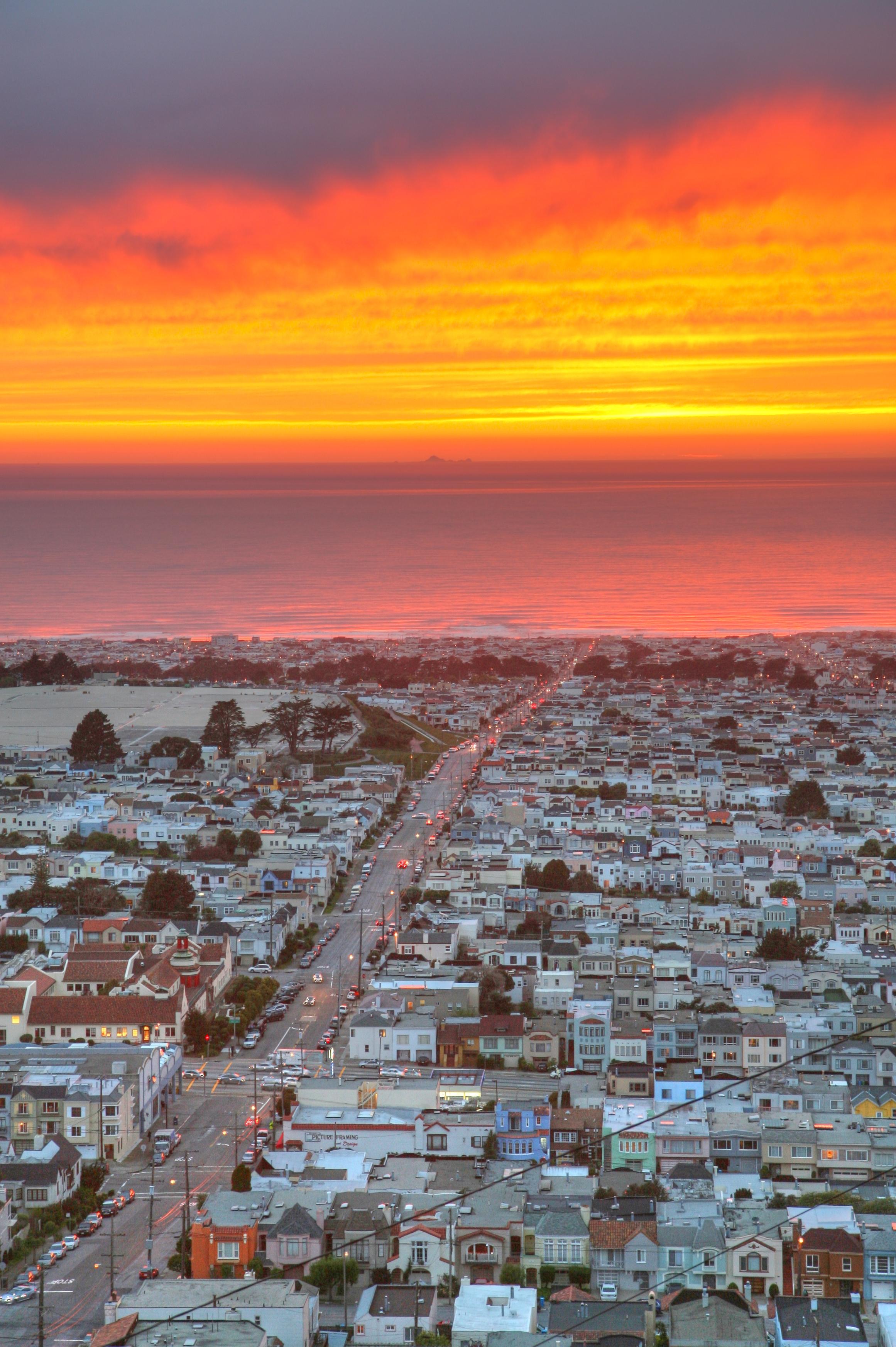 San Francisco Sunset District - Credit SF Brit http://www.flickr.com/photos/cnbattson/